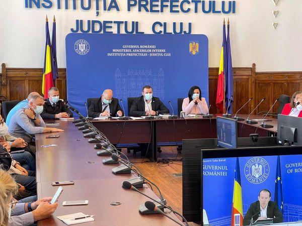 Institutia Prefectului Judetul Cluj-sedinta in sistem online prezidata de Florin Citu.